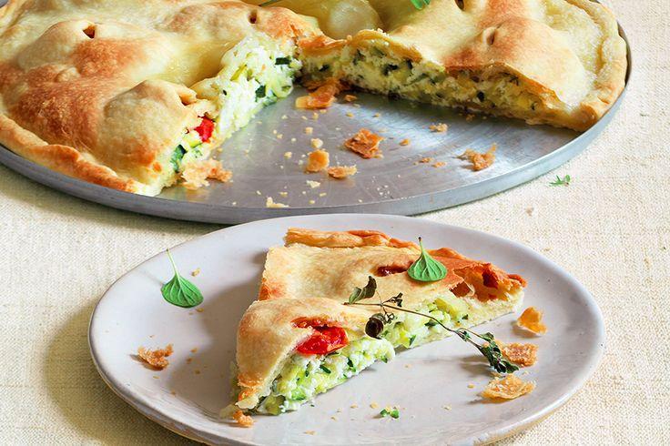 Focaccia con verdure e formaggi