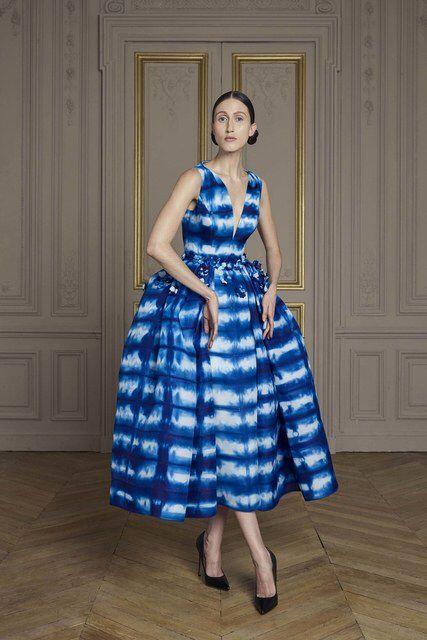 Giles Deacon,  Fall 2016 couture