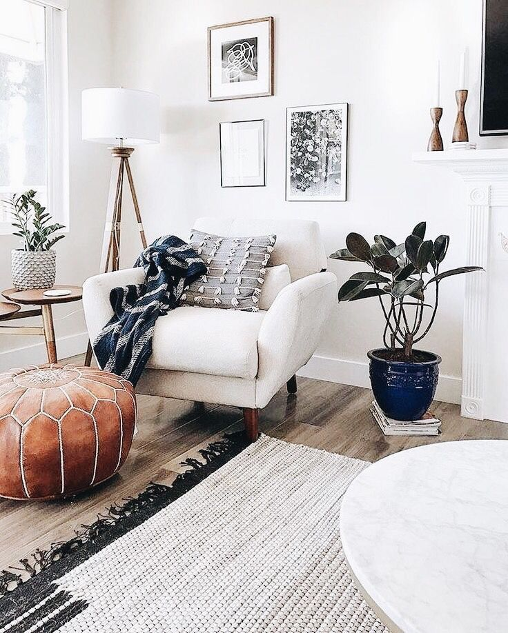 Light And Airy Living Room Space Decoracion De Salas Interiores