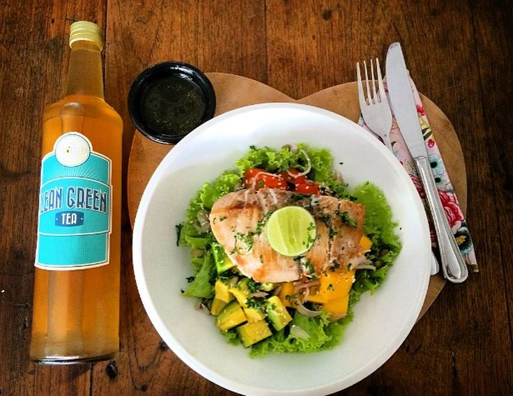 Grilled white fish woth avocado mango salad, lime topping and our Lean green tea by Avocado Cafe Bali