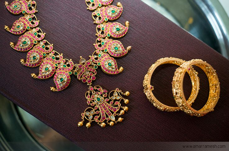 wedding weddingideas bride indianwedding wedmantra indianjewellery jewellery antique jewellery sareeideas bangles necklace silk kanchipuram saree bridalsaree brides weddinginspitation goldjewellery sareedesign colourideas weddingvows weddingdress bridalwear weddingdetailshot bridalideas weddingwear weddingphotography photography studioa amaramesh