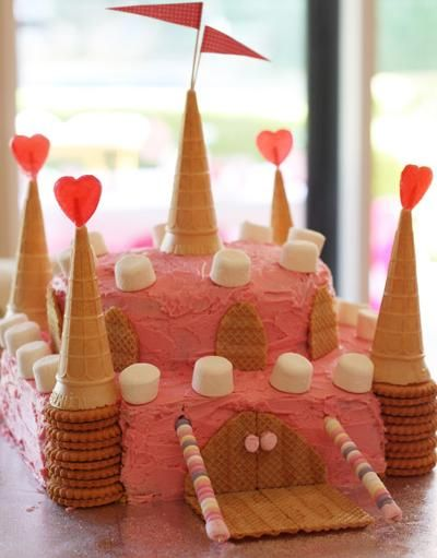 Una divertida tarta para una fiesta princesa / A fun cake for a princess party