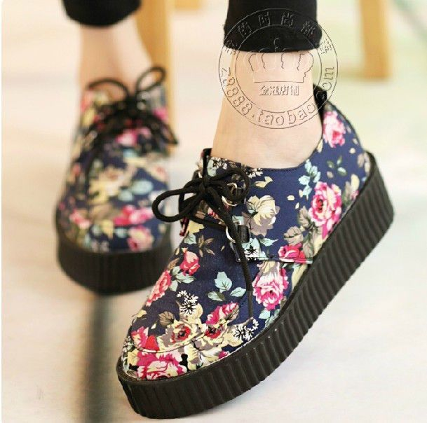 Floral Creepers Shoes - http://pastelgothfreak.com