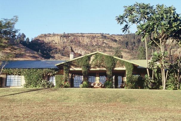 Ekukhanyeni - We welcome everyone, without any discrimination, and with warmth and respect.  Nestled at the foot of a majestic cliff with panoramic views and magnificent bird life, Ekukhanyeni embraces all that is peace ... #weekendgetaways #nelspruit #lowveldlegogote #southafrica