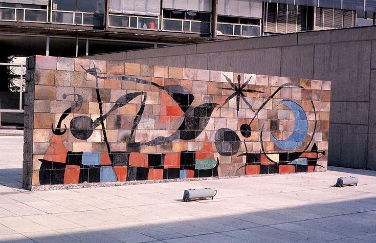 60 best mir images on pinterest joan miro artists and for Mural la misma luna