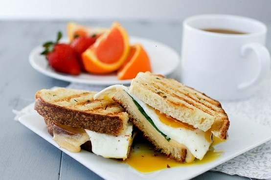 Breakfast panini with herb butter | F O O D I E | Pinterest