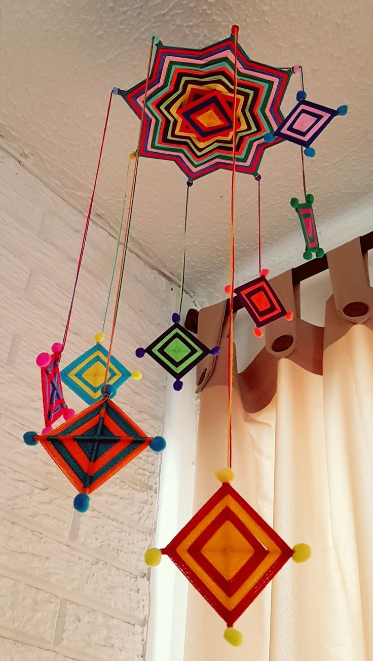 Movil de mandalas multicolor