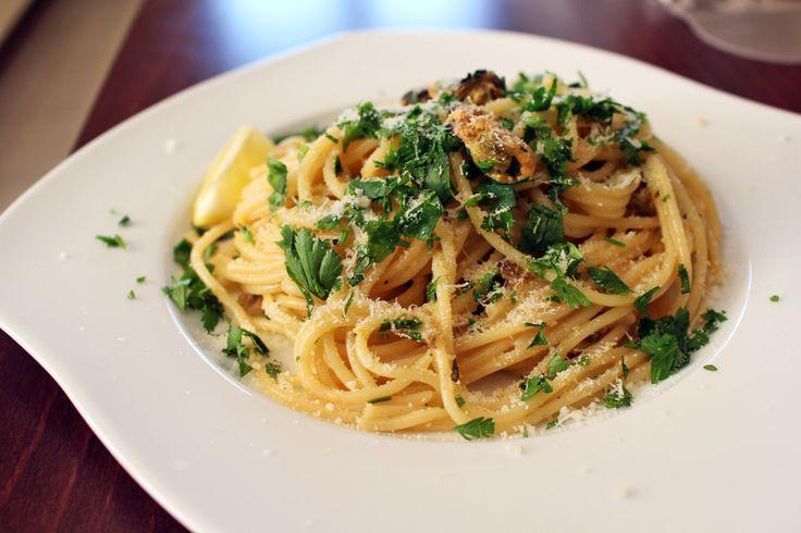 Špagety s mušľami v smotanovo – citrónovej omáčke