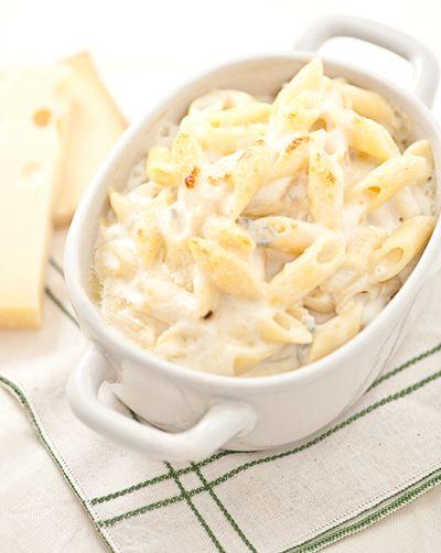 Pasta ai Quattro Formaggi - 4 cheese (Gorgonzola, Emmenthal, Fontina, and Taleggio) super creamy penne pasta!