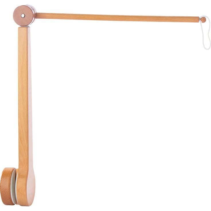 Potence en bois de haute qualité pour les mobiles sigikid. Pour la fixer au lit de bébé ou au parc, dévisser le bouton. Bras orientable en hauteur et sur le côté. Mobiles et boîtes à musique disponibles séparément.