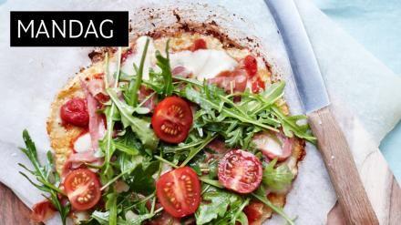 BLOMKÅLBUNN: Pizzabunn laget av blomkål? Ja, det går fint. Selvfølgelig er det ikke HELT det samme som en italiensk hvetemelsbunn, men smaken er virkelig god og pizzaaktig.