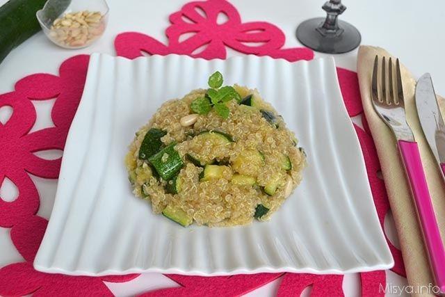 Quinoa con zucchine e pinoli, scopri la ricetta: http://www.misya.info/ricetta/quinoa-con-zucchine-e-pinoli.htm