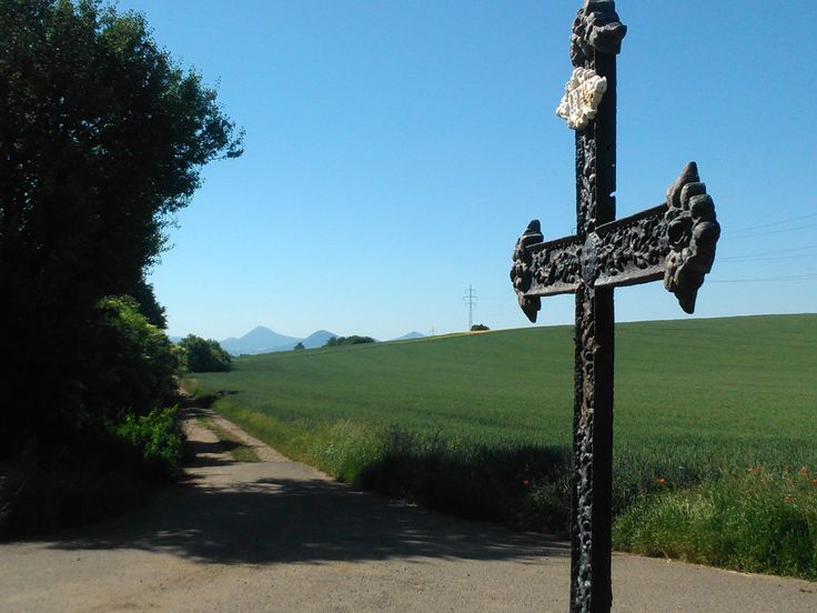 Cross on the crossroad between Doksany and Roudnice nad Labem (distr.Litoměřice)