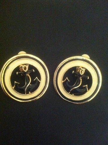 Винтажные клипсы. Металл, эмаль. Франция, 1970-е гг. #vintage #jewellery #jewelry #trendy #style #chic #women #gift
