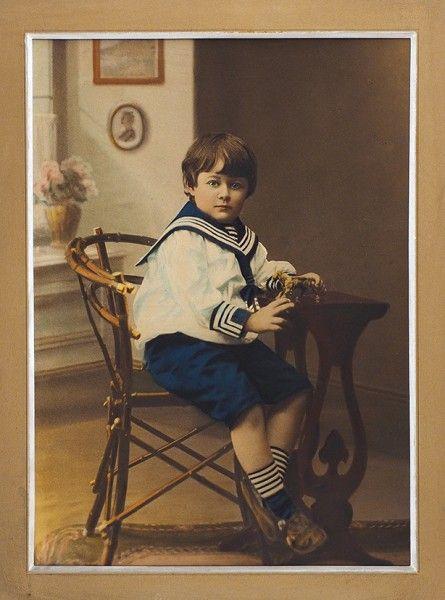 Фотография. Портрет наследника престола Российской империи Цесаревича Алексея. 1910-е гг. Цветная фотография.