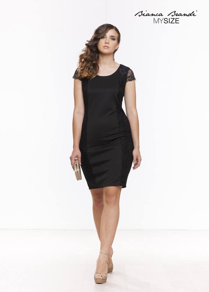 #Semplice e #sensuale allo stesso tempo, è la #donna #mysize ! #Look #Total #Black #moda #curvy #fashion #style #curves #plusSize #collection