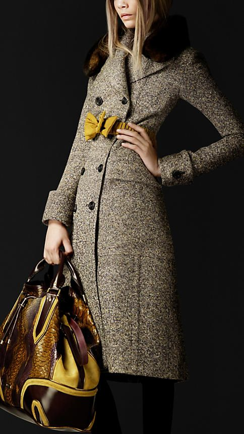 ★ Lively Yellow ★ Burberry