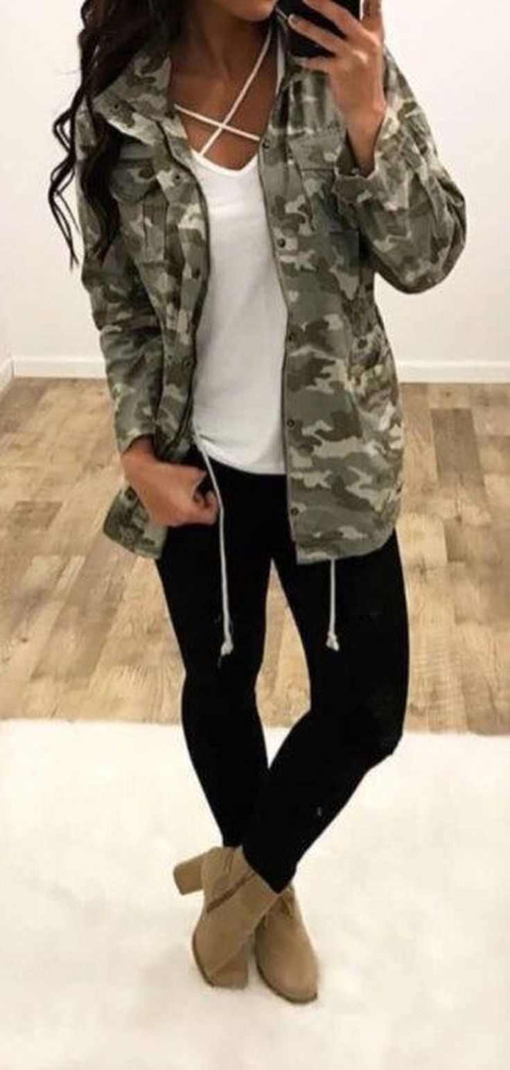 womens outfit ideas | camo jacket | casual tee | black denim | booties | fashion | style