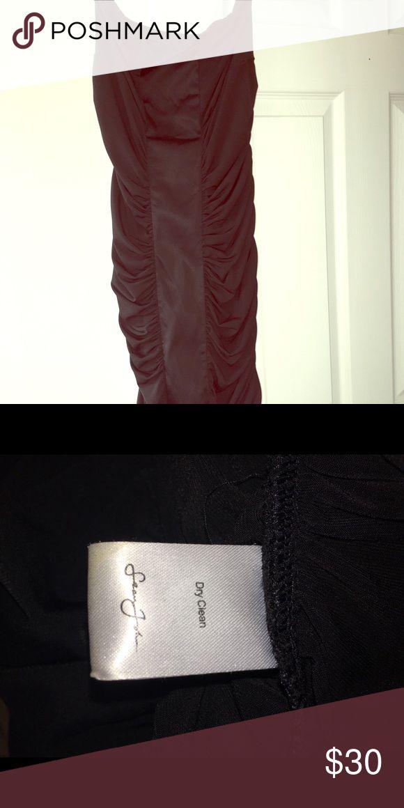 Black Sean John Strapless Dress Only worn once black strapless dress that hits the knee. Very thin. Sean John Dresses