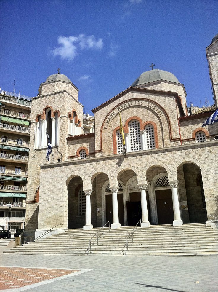 The Panagia Dexia Church is the newest and biggest temple of the area. It was built in 1960 on the location of an older Ottoman period church. (Walking Thessaloniki, Route 04 - Galerius)
