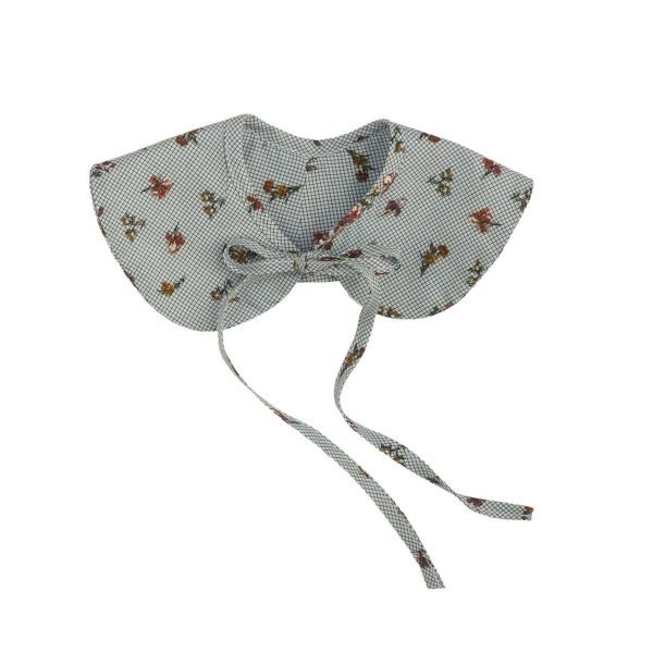 Mákvirág — Peter Pan collar floral pattern