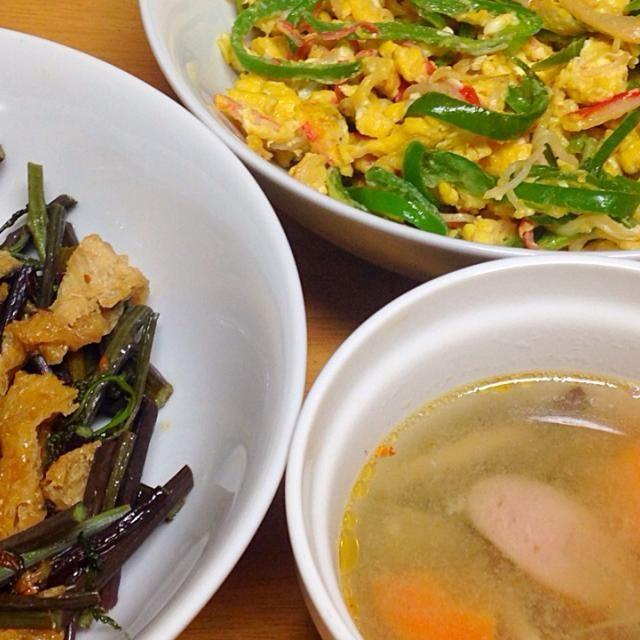 ⚫︎ピーマン、蟹かま、卵の麺つゆ炒め ⚫︎わらび、油揚げの佃煮 ⚫︎ウインナー、牛蒡、人参、平茸の味噌汁 - 11件のもぐもぐ - 2015.04.22 by amagishinjyu
