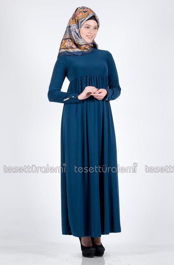 Petrol mavisi robalı elbise modelleri.