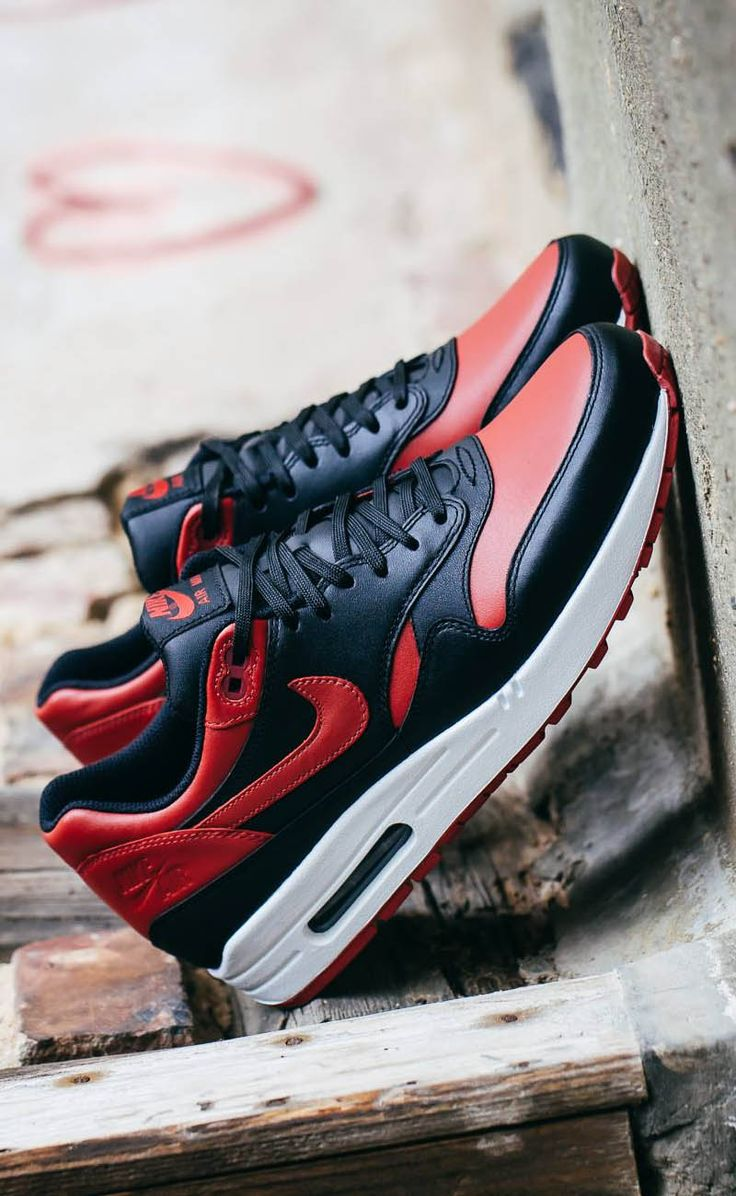 Nike Air Max 1 Valentine's Day 'The Ones You Love' / 'Bred'