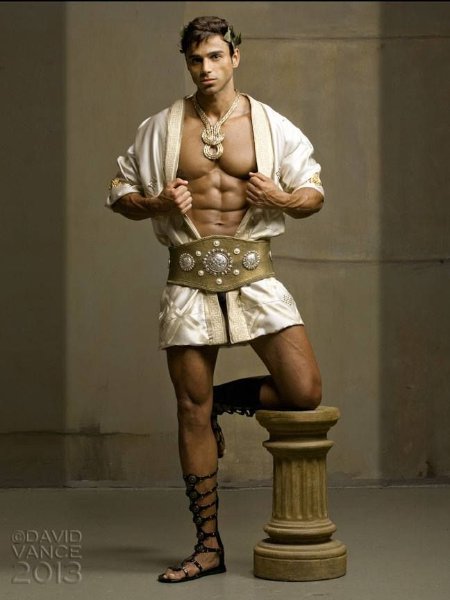sexy male greek god - Google zoeken | Kostuum idee | Pinterest