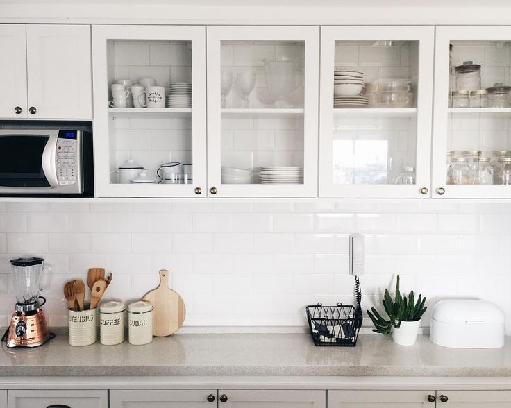 All white #scandinaviankitchen @apartamento84