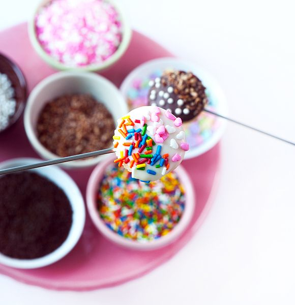 Cupcake fondue party! new idea for cake balls =-)