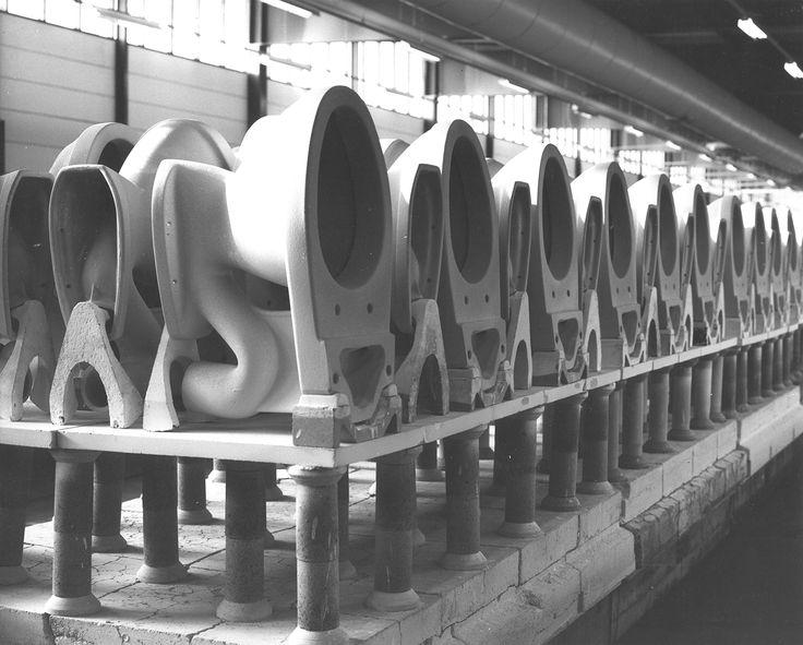 Wc-istuimia rivissä tehtaalla. http://www.ido.fi #bathroom #bathroomdesign #interiordesign #homespa #scandinaviandesign #bathroomideas #bathroomsink #interiordecoration #toilet #factory #sink #finnishdesign #bathroominspiration #ceramics #ceramicsoven #bathroomidea #tap #washbasin #fauset #behindthescenes #sanitary #porcelain #interiorideas #advertisement #history #toiletseat #production