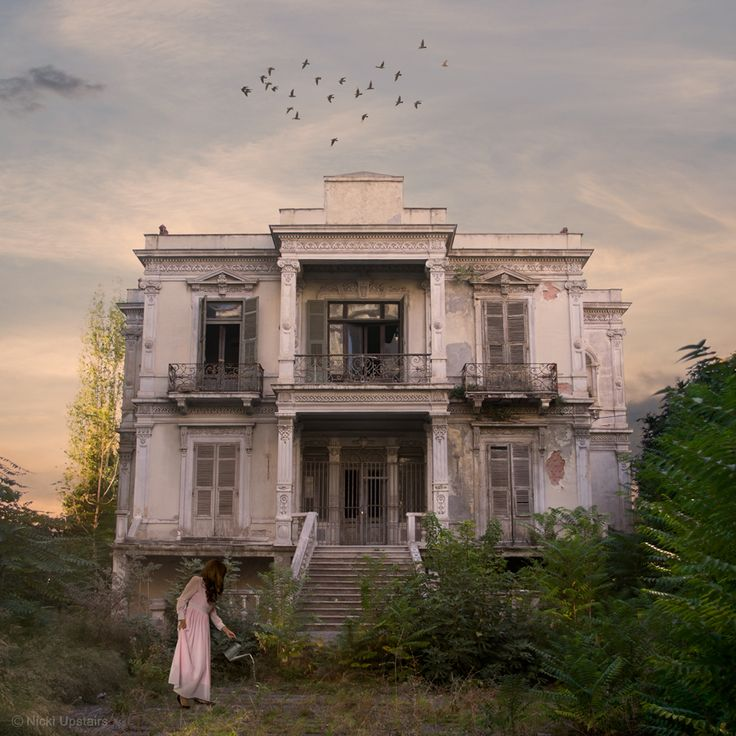 """This is the Salem mansion. It is located in a part of Thessaloniki which was known as the """"Countryside district"""", outside the city's walls. Read about the villa's history and my new series, in my new blog post. http://nickiupstairs.com/countryside-district-en/"""