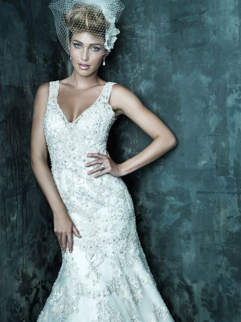 Heavily beaded wedding dress that would be a dream to for Heavy beaded wedding dresses