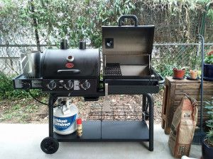 http://renelbarbecuetools.com/wp-content/uploads/2014/08/5534053324_35ef3512cc_z1-300x225.jpg - How To Use Gas Barbecue Grills - http://renelbarbecuetools.com/how-to-use-gas-barbecue-grills/