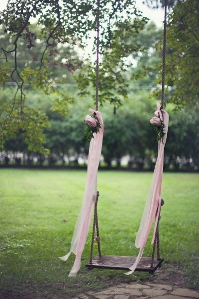 I would like to have a decorated swing at my wedding... photos with it would be sweet like childhood innocence