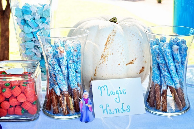 Cinderella birthday party: Magic wands