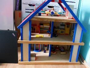 Puppenhaus aus Holz von Selecta