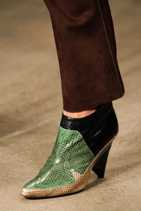 Great ankle boot Derek Lam Fall 2014 RTW - Details - Fashion Week - Runway,  Fashion Shows and Collections - Vogue
