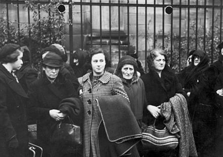 Polish Jews expelled from Germany in late October 1938