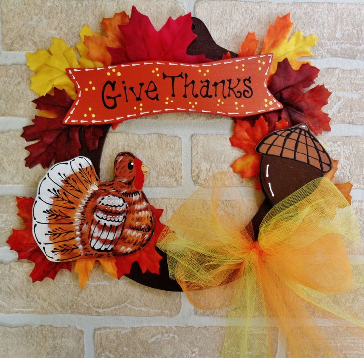 turkey give thanks thanksgiving wooden wreath sign autumn fall wall door plaque