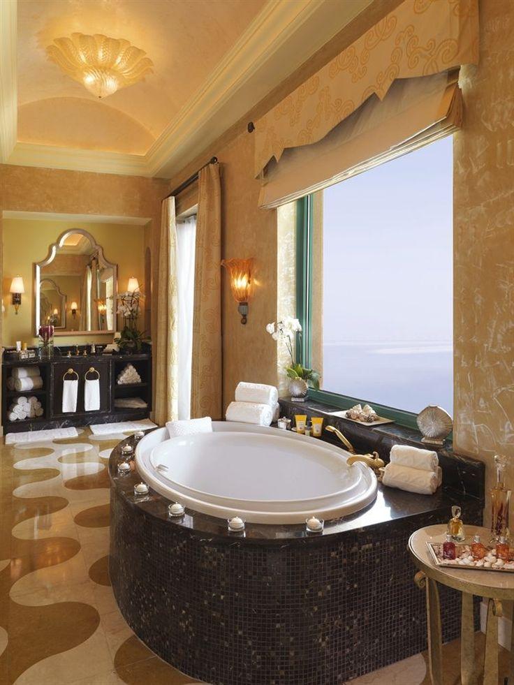 bath tub at the atlantis the palm dubai uae