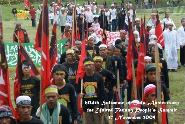 604th Sultnate of Sulu Anniversary, 1st United Tausug People's Summit. 2009. Tausug-global.blogspot.com. Web. 08 May 2013.