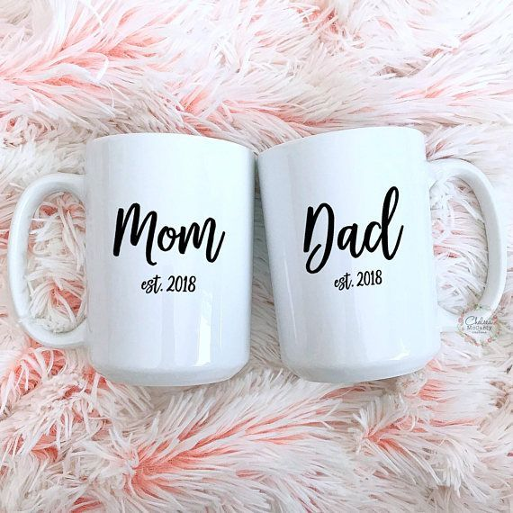Pregnancy Announcement - New Parents Gift - Mom Est - Dad Est - New Mom Gift - New Dad Gift - Cute Valentines Day Gifts #pregnancygifts