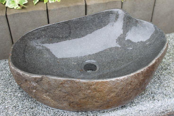 Waschbecken aus dem Naturstein Basalt