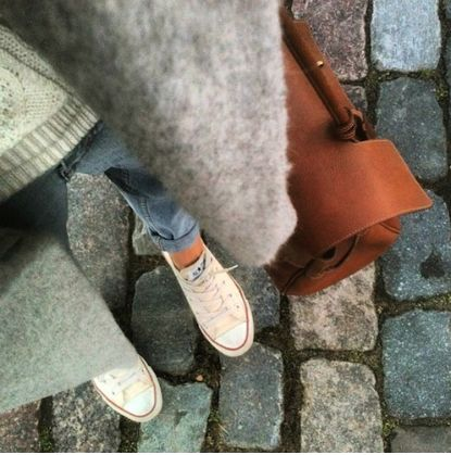 Perfect combo: denim, wool, leather & Converse! From Paris to London