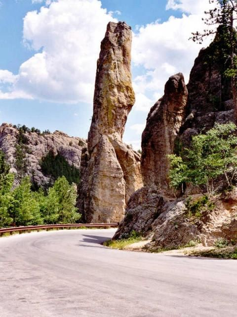 Beautiful Needles Highway in Custer State Park, a must when visiting the Badlands & Black hills in SD.