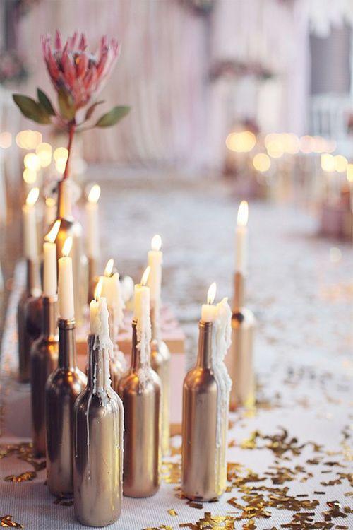 Just den här bilden är från ett bröllop i Moskva, men jag tyckte att de spraymålade gamla vinflaskorna är ett bra tips till andra tillfällen. Känner man att man vill ha fler detaljer i koppar och…