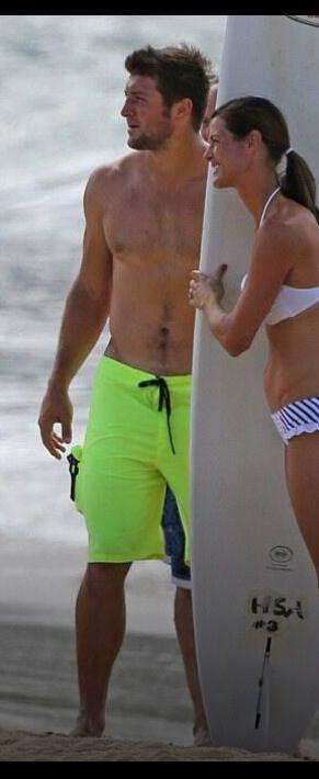Tim Tebow: Shirtless Beach Stud in Hawaii!: Photo 2971679