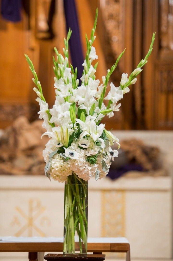 best 25 gladiolus centerpiece ideas on pinterest gladiolus wedding arrangements gladiolus. Black Bedroom Furniture Sets. Home Design Ideas